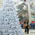 Big White Artificial Pre lit Xmas Tree, 1256 ice white leds, 3389 Tips, 4m