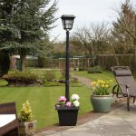 Super Solar Aluminium Lamp Post with Pot & PIR Sensor, White LED, 2M